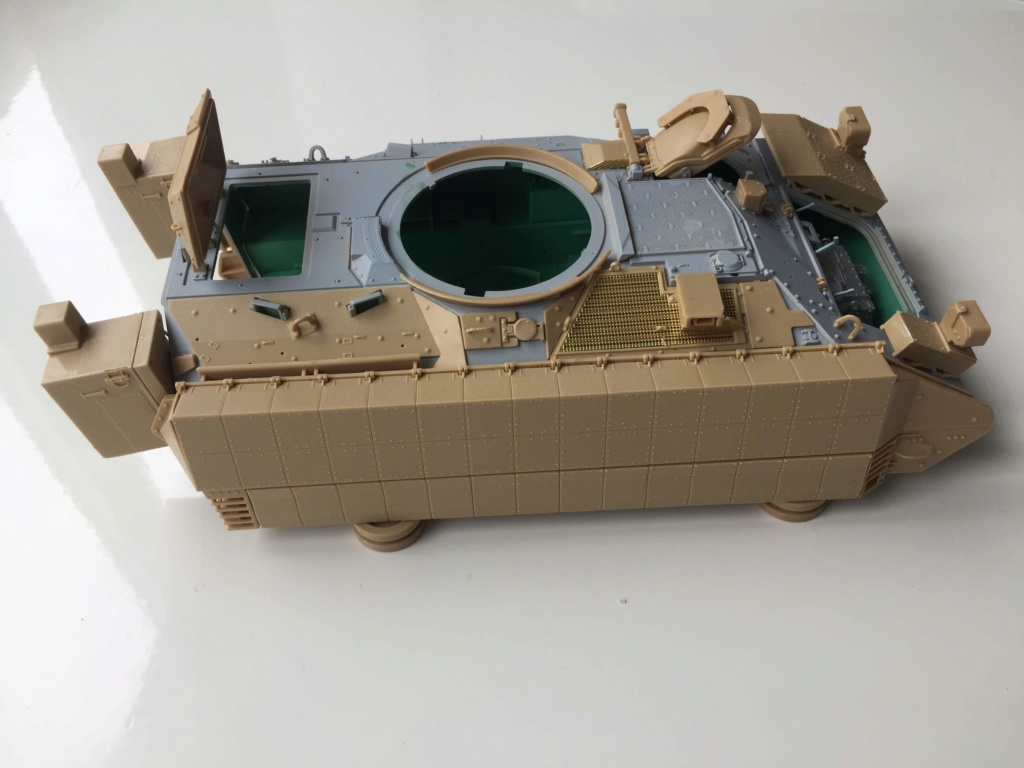 Bradley M2A3 with Busk III - Meng -1/35 TERMINE - Page 2 Img_0523