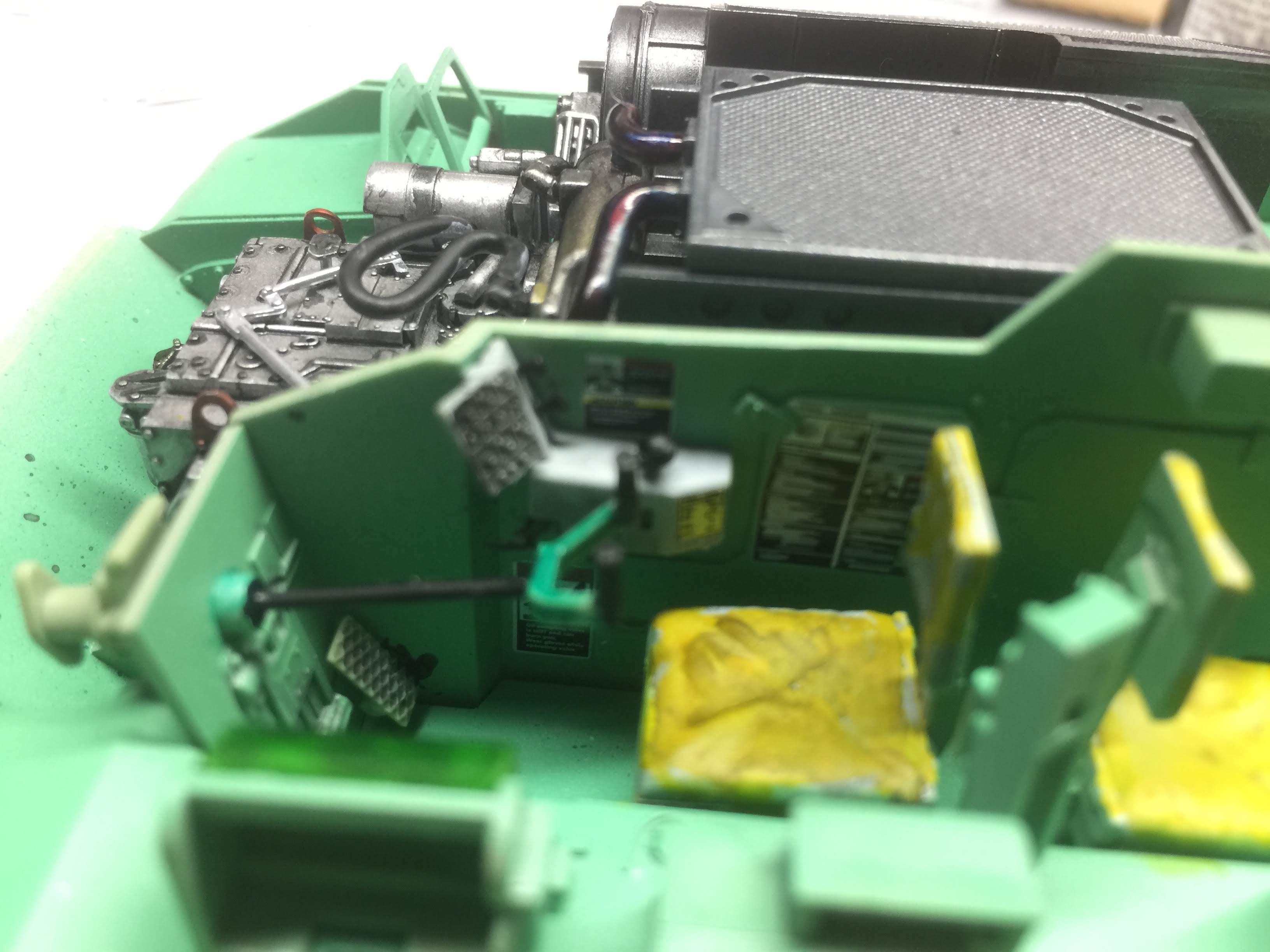 Bradley M2A3 with Busk III - Meng -1/35 TERMINE - Page 3 Img_1623