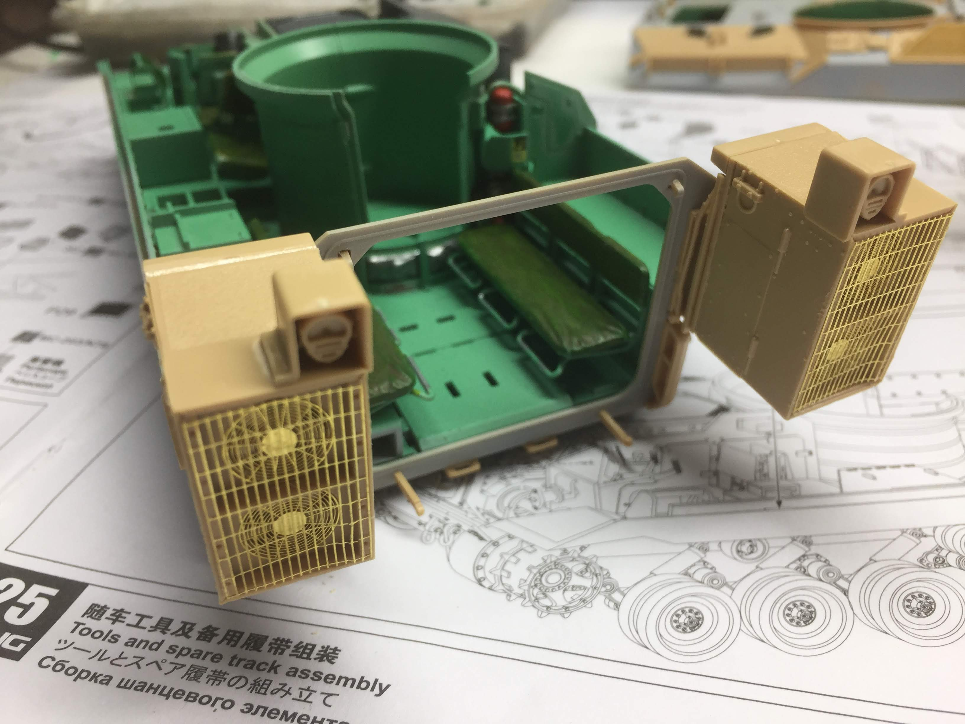 Bradley M2A3 with Busk III - Meng -1/35 TERMINE - Page 3 Img_1627