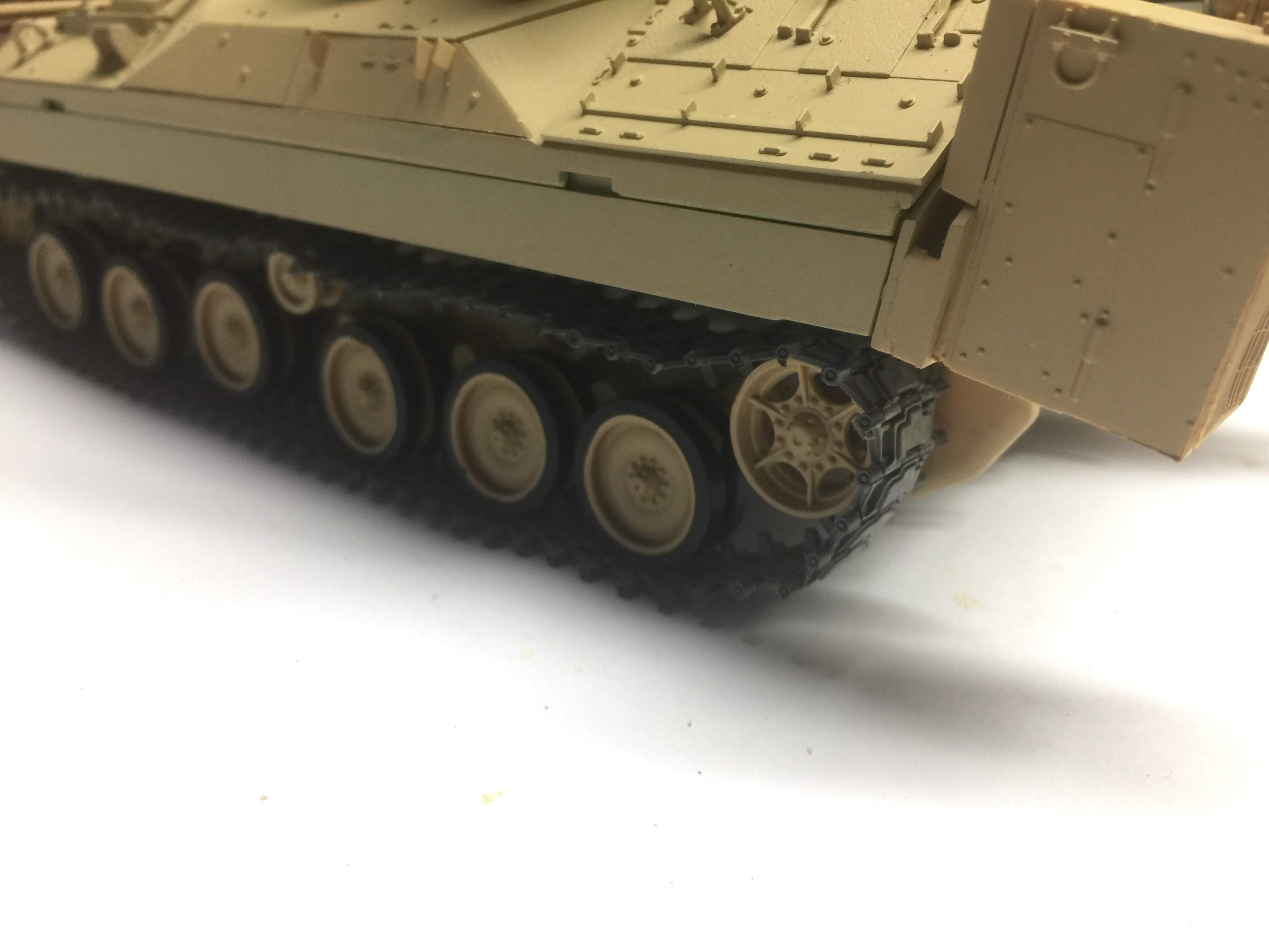 Bradley M2A3 with Busk III - Meng -1/35 TERMINE - Page 3 Img_1718