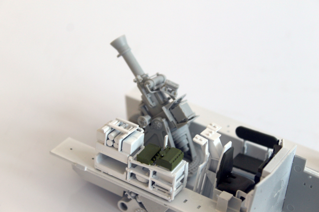 M1129 Stryker Mortar Carrier Vehicle MC-B Tumpeter 1/35 Img_3815