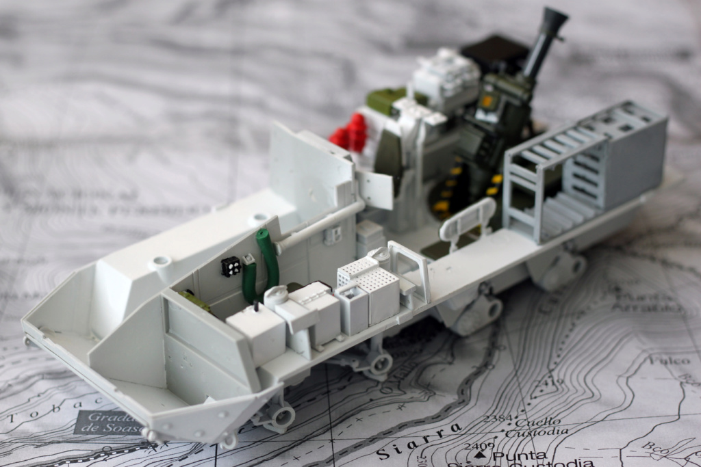 M1129 Stryker Mortar Carrier Vehicle MC-B Tumpeter 1/35 Img_3820