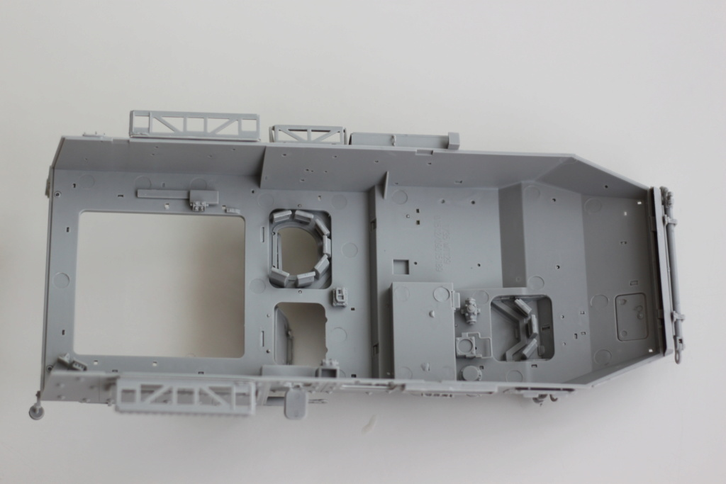 M1129 Stryker Mortar Carrier Vehicle MC-B Tumpeter 1/35 Img_3834