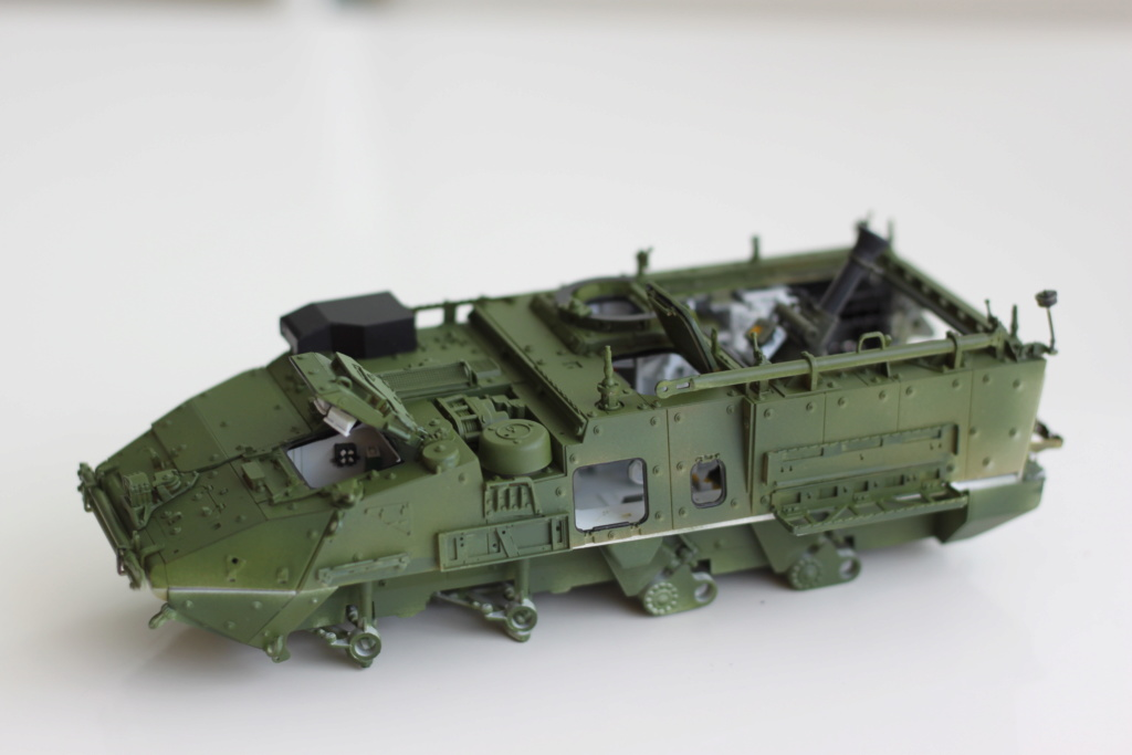 M1129 Stryker Mortar Carrier Vehicle MC-B Tumpeter 1/35 - Page 2 Img_3853