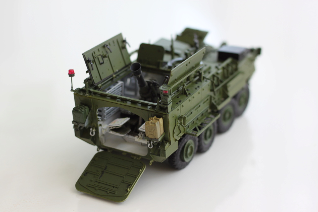 M1129 Stryker Mortar Carrier Vehicle MC-B Tumpeter 1/35 - Page 2 Img_3912