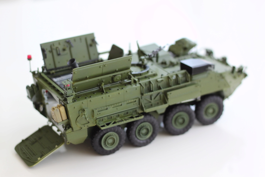 M1129 Stryker Mortar Carrier Vehicle MC-B Tumpeter 1/35 - Page 2 Img_3913