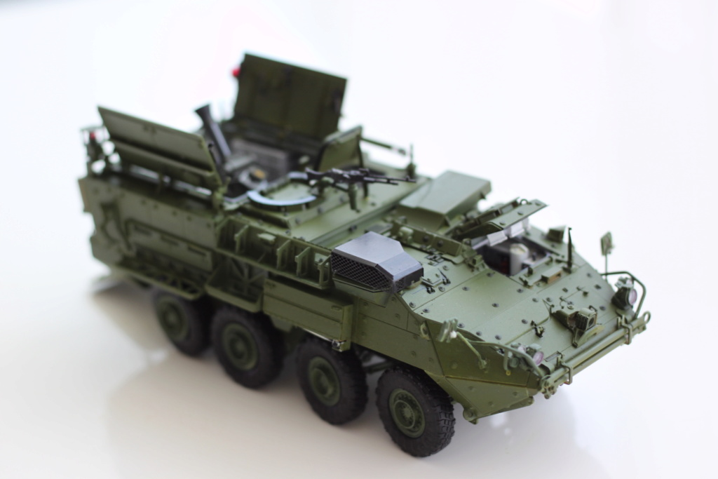 M1129 Stryker Mortar Carrier Vehicle MC-B Tumpeter 1/35 - Page 2 Img_3914