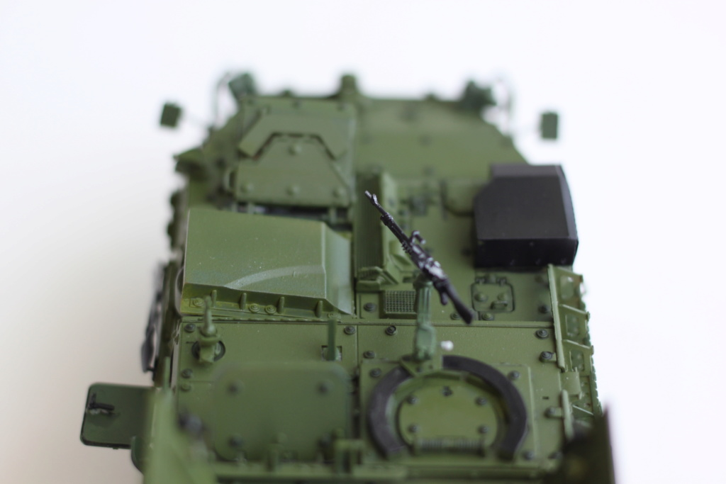 M1129 Stryker Mortar Carrier Vehicle MC-B Tumpeter 1/35 - Page 2 Img_3924