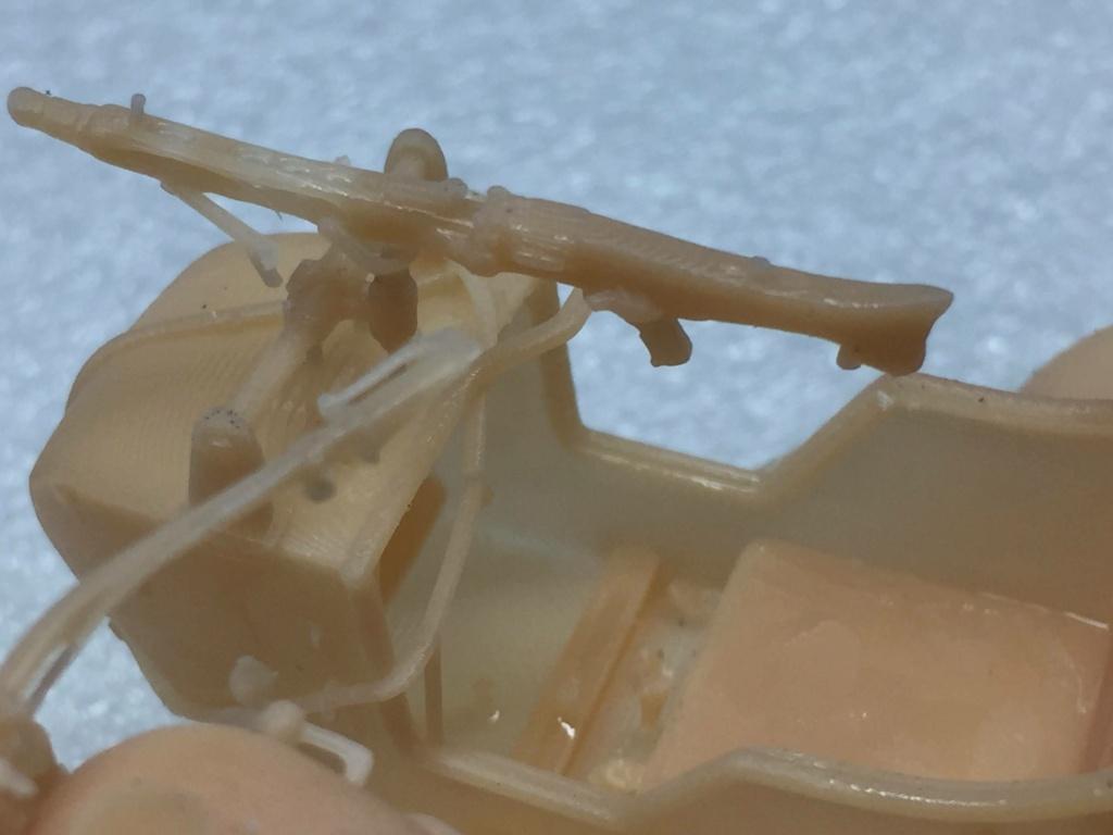 Moto R75 avec side et figurines pièce à pièce. - Page 2 Img_4416