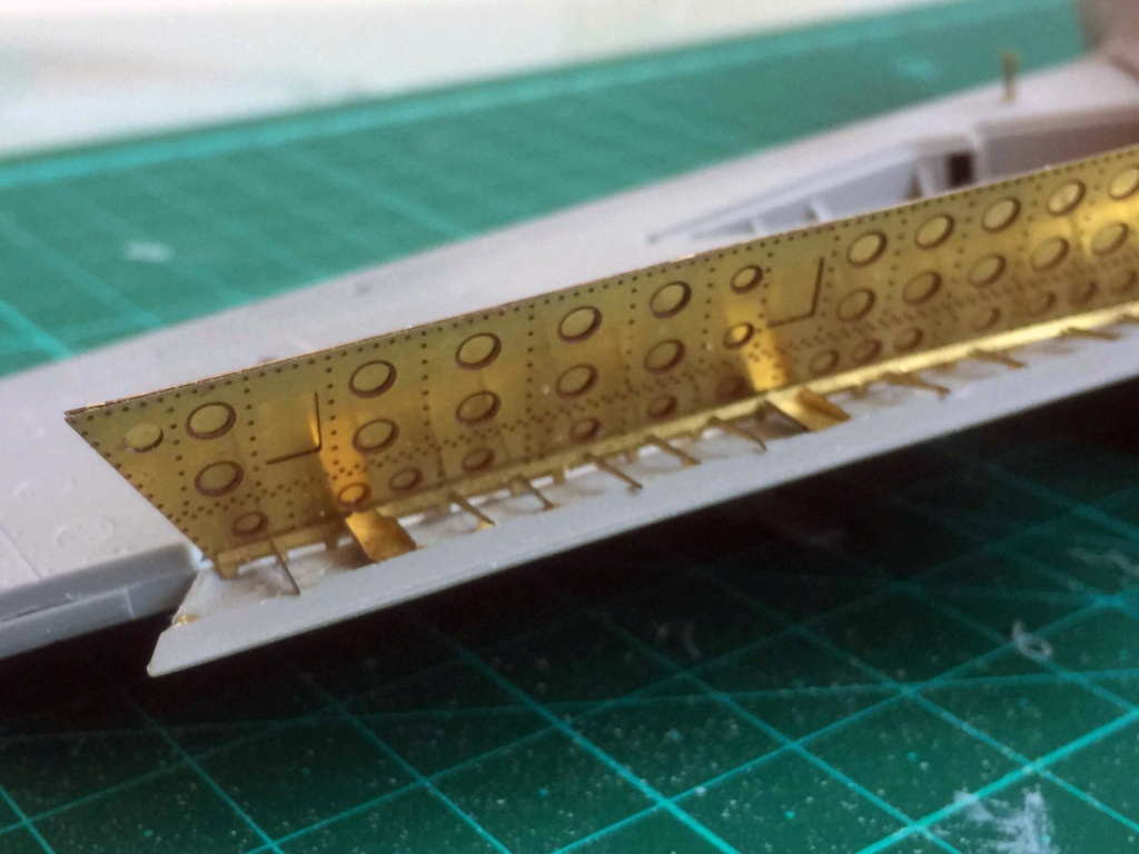 Mig 15 Trumpeter 1/32 - Page 3 Img_5815