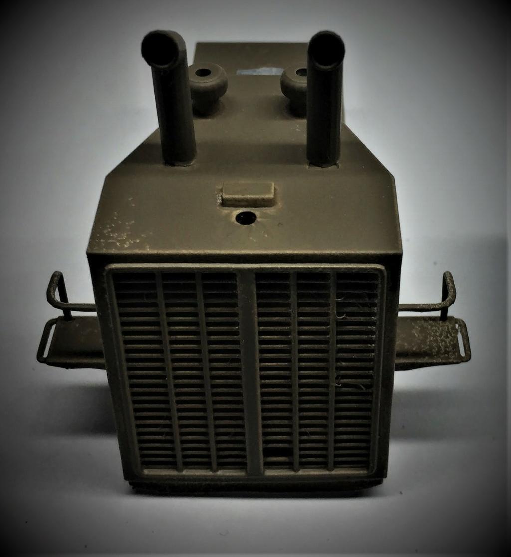 Bulldozer au 1/35 résine Img_5841