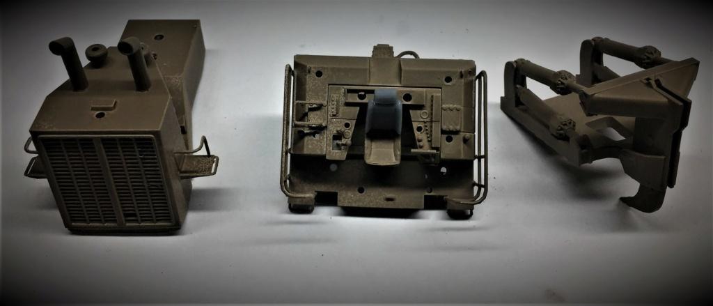 Bulldozer au 1/35 résine Img_5842