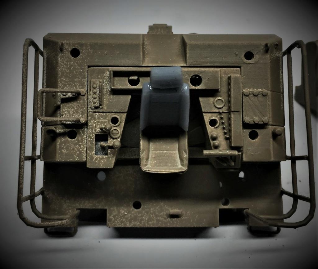 Bulldozer au 1/35 résine Img_5843