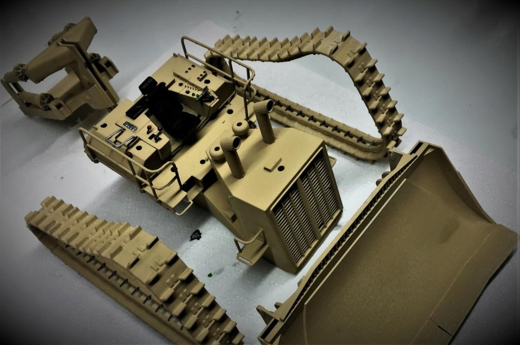 Bulldozer au 1/35 résine Img_5849
