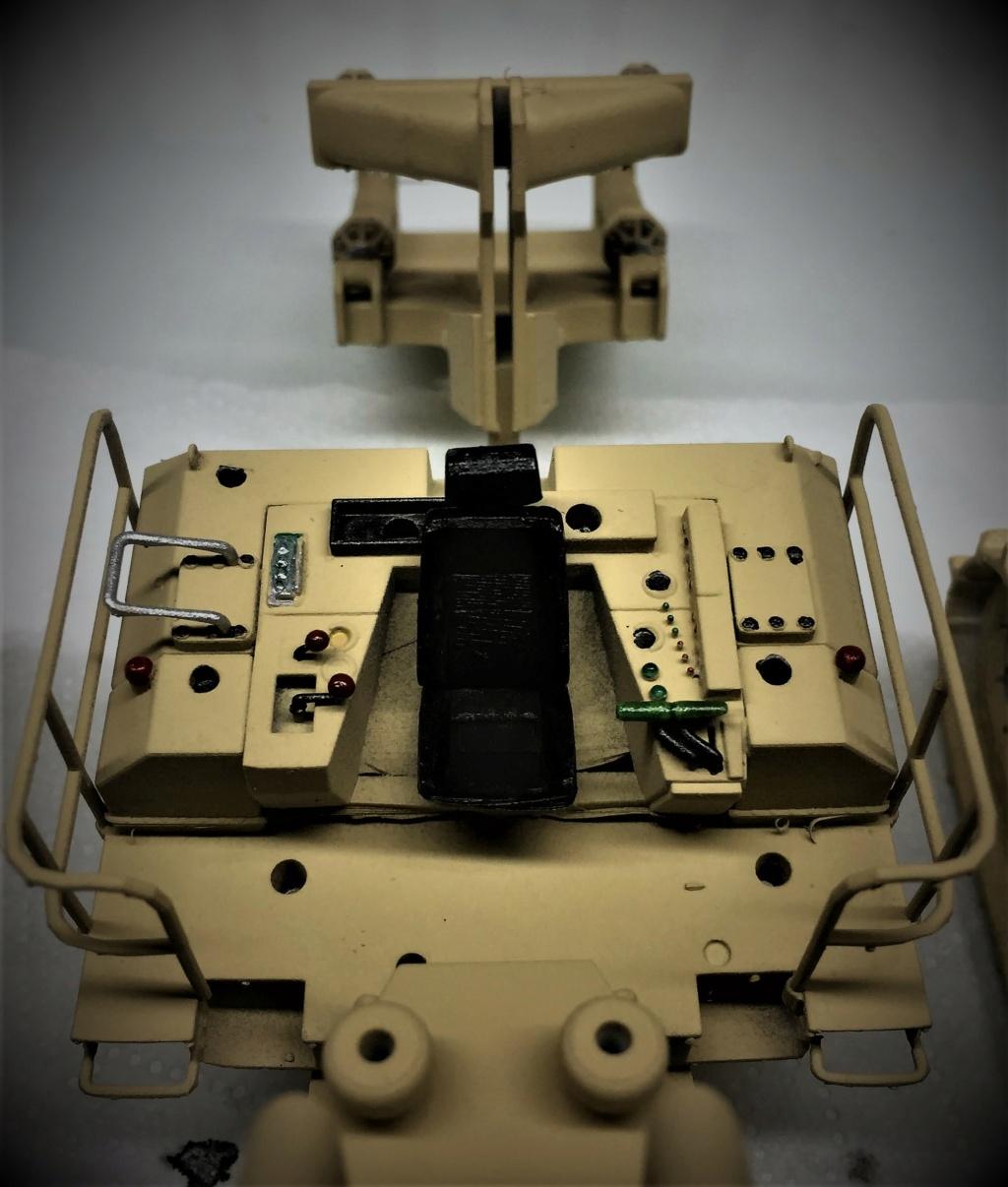 Bulldozer au 1/35 résine Img_5850