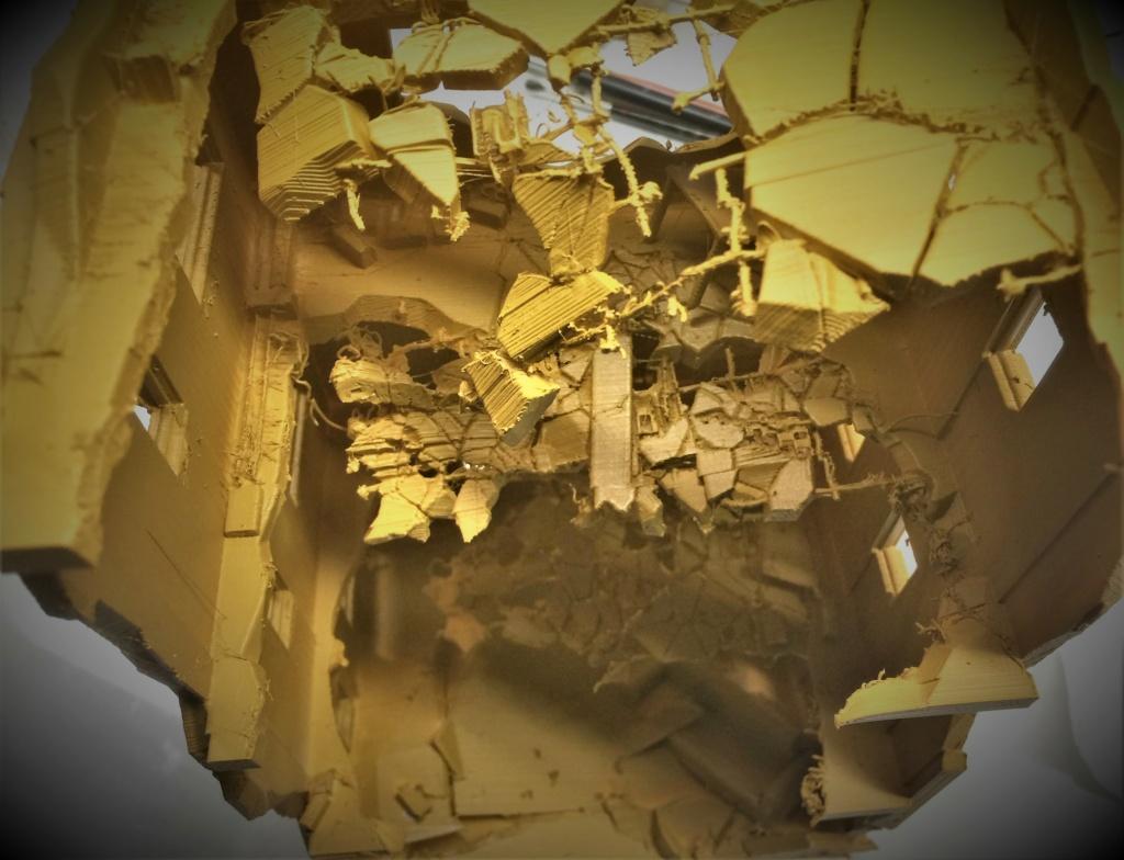 Maison en ruine au 1/35 Plastique fondu Img_5861