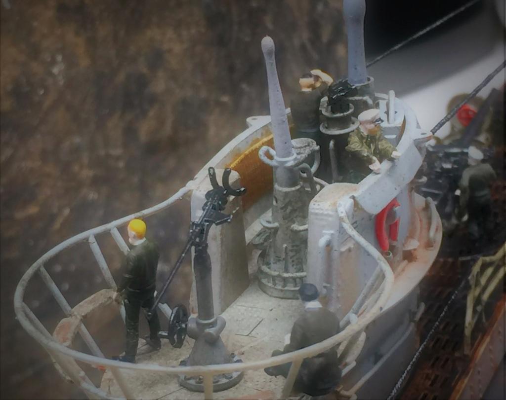 Sous-marin U-Boat VIID résine 3D au 1/100 - Page 10 Img_5927