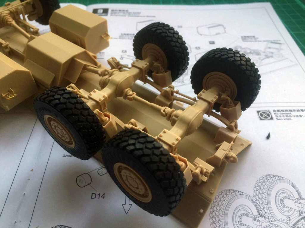 U.S. COUGAR 6X6 Mrap vehicle MENG 1/35 Termine Img_6215