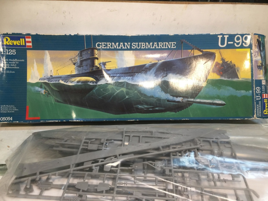 German Submarine Type VIIB U-99 Revell 1/125 Img_6412