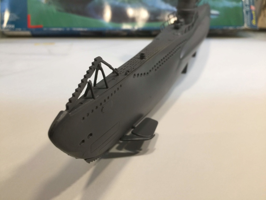 German Submarine Type VIIB U-99 Revell 1/125 Img_6422