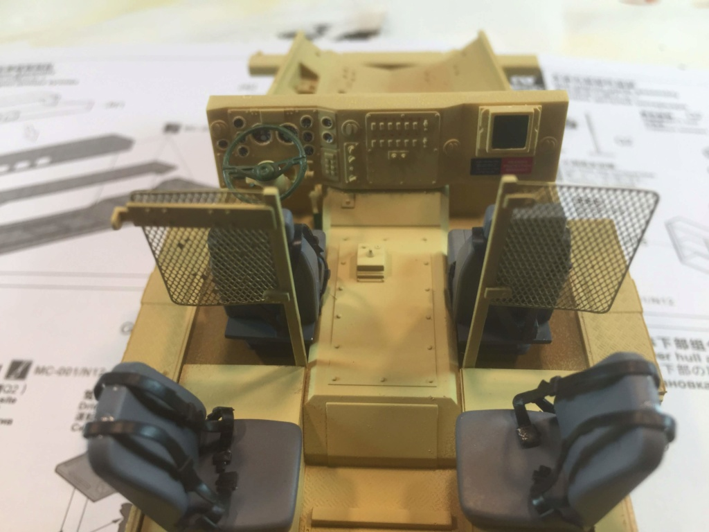 U.S. COUGAR 6X6 Mrap vehicle MENG 1/35 - Page 2 Img_6812
