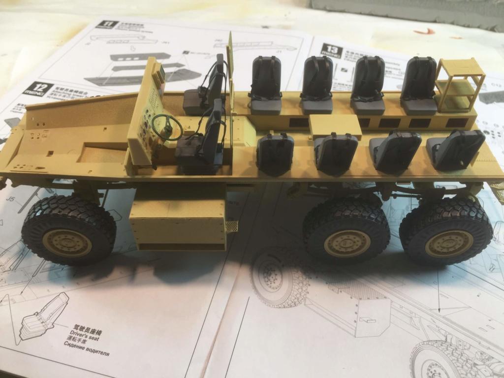 U.S. COUGAR 6X6 Mrap vehicle MENG 1/35 Termine - Page 2 Img_6815