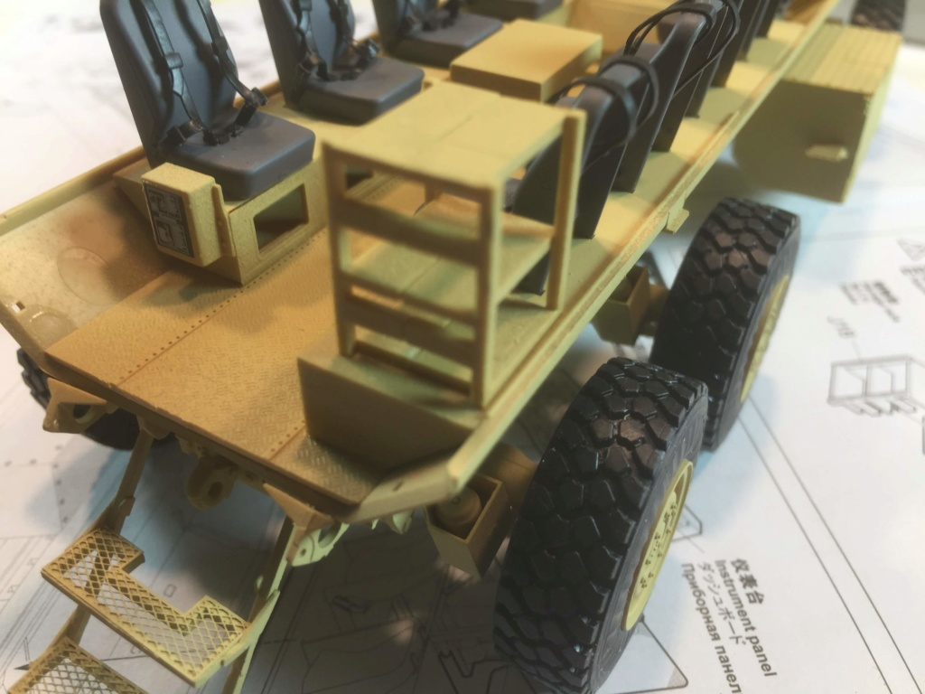 U.S. COUGAR 6X6 Mrap vehicle MENG 1/35 - Page 2 Img_6818
