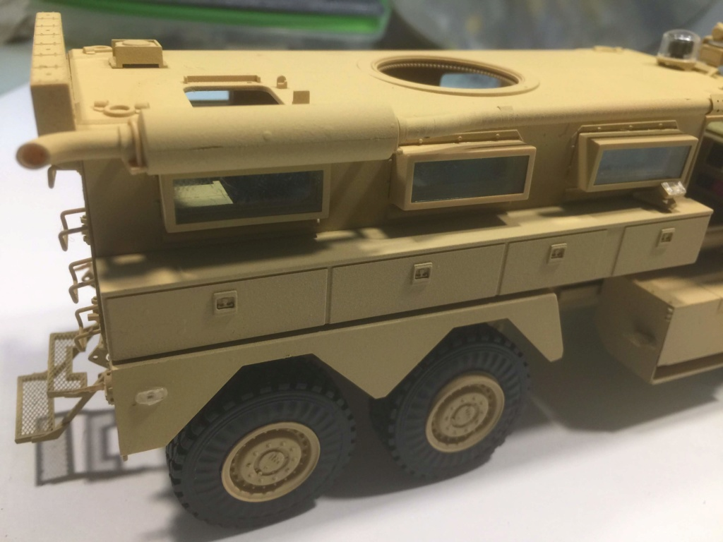 U.S. COUGAR 6X6 Mrap vehicle MENG 1/35 - Page 2 Img_6826