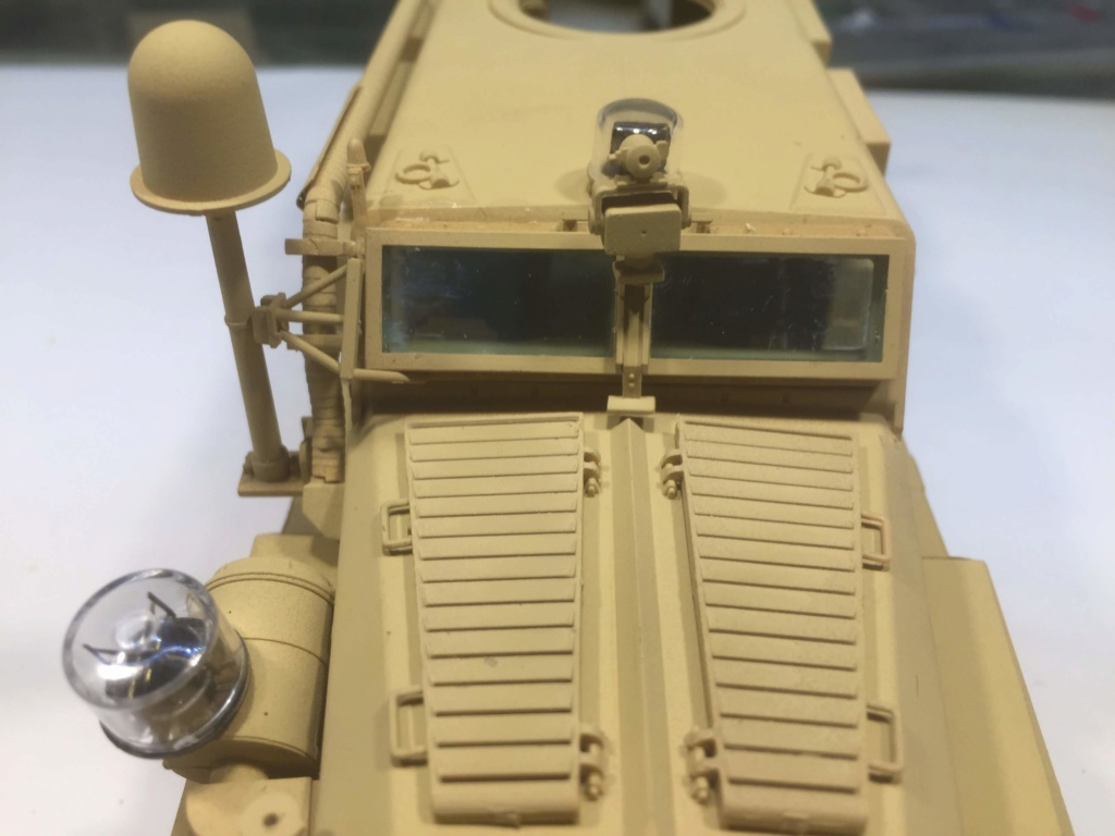 U.S. COUGAR 6X6 Mrap vehicle MENG 1/35 - Page 2 Img_6828