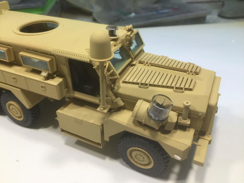 U.S. COUGAR 6X6 Mrap vehicle MENG 1/35 - Page 2 Img_6829