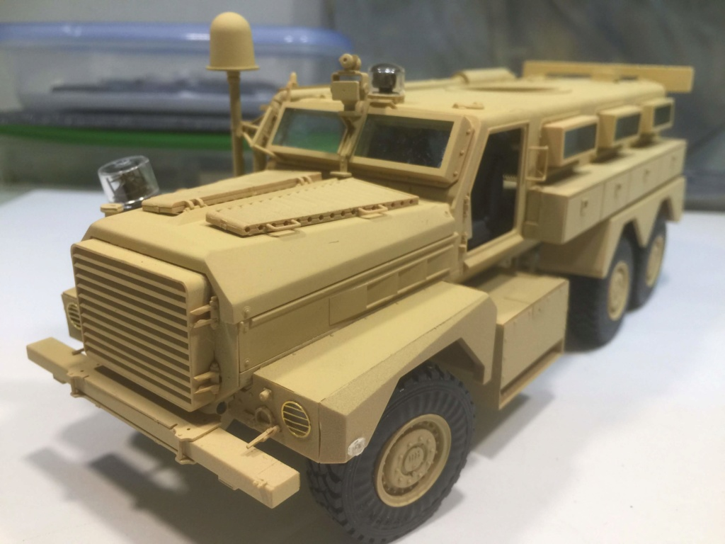 U.S. COUGAR 6X6 Mrap vehicle MENG 1/35 Termine - Page 2 Img_6830