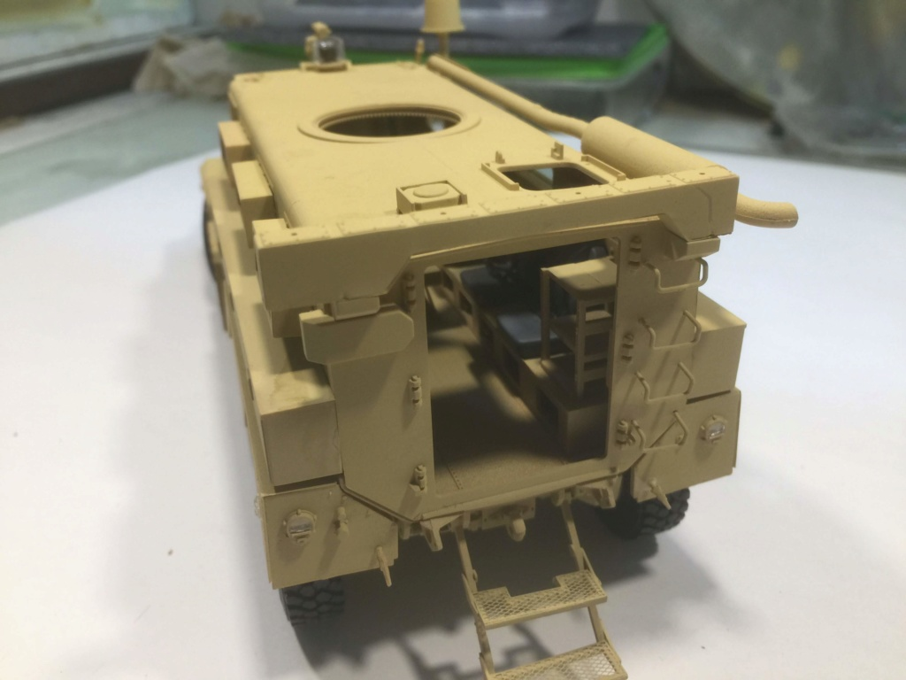 U.S. COUGAR 6X6 Mrap vehicle MENG 1/35 - Page 2 Img_6831