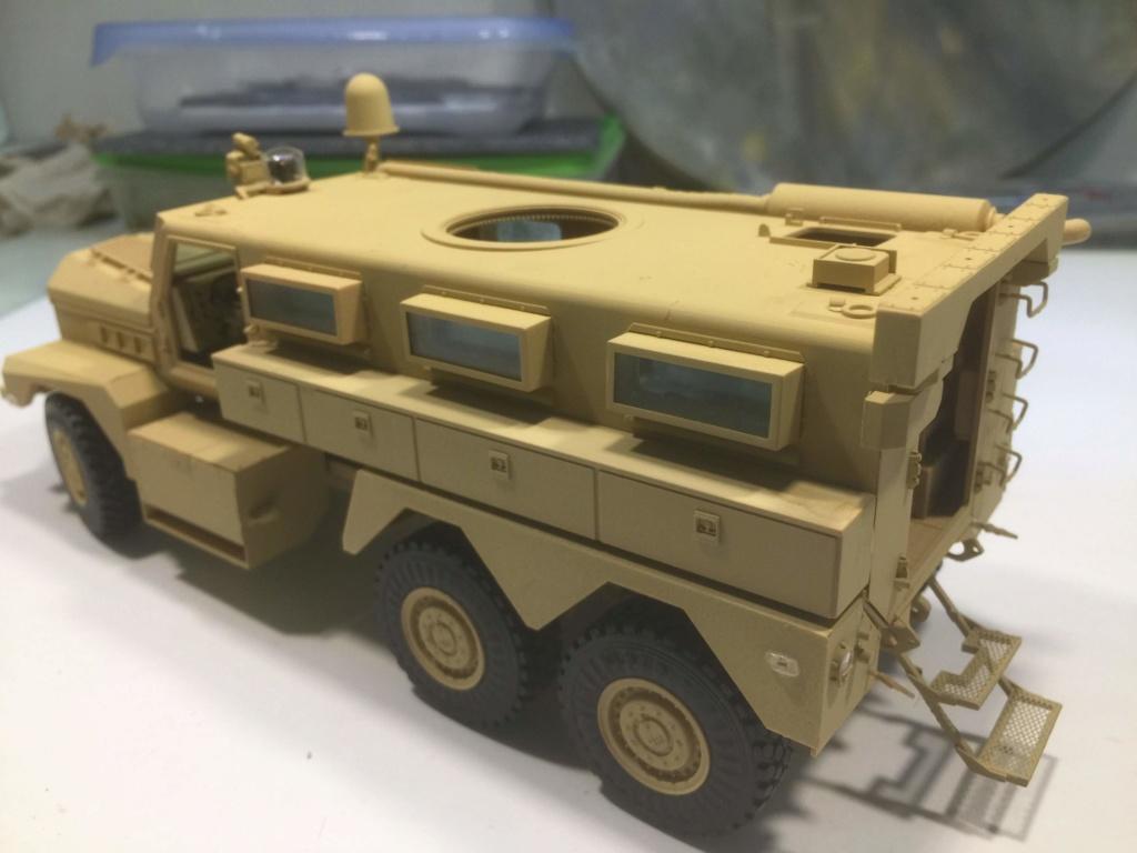 U.S. COUGAR 6X6 Mrap vehicle MENG 1/35 Termine - Page 2 Img_6832