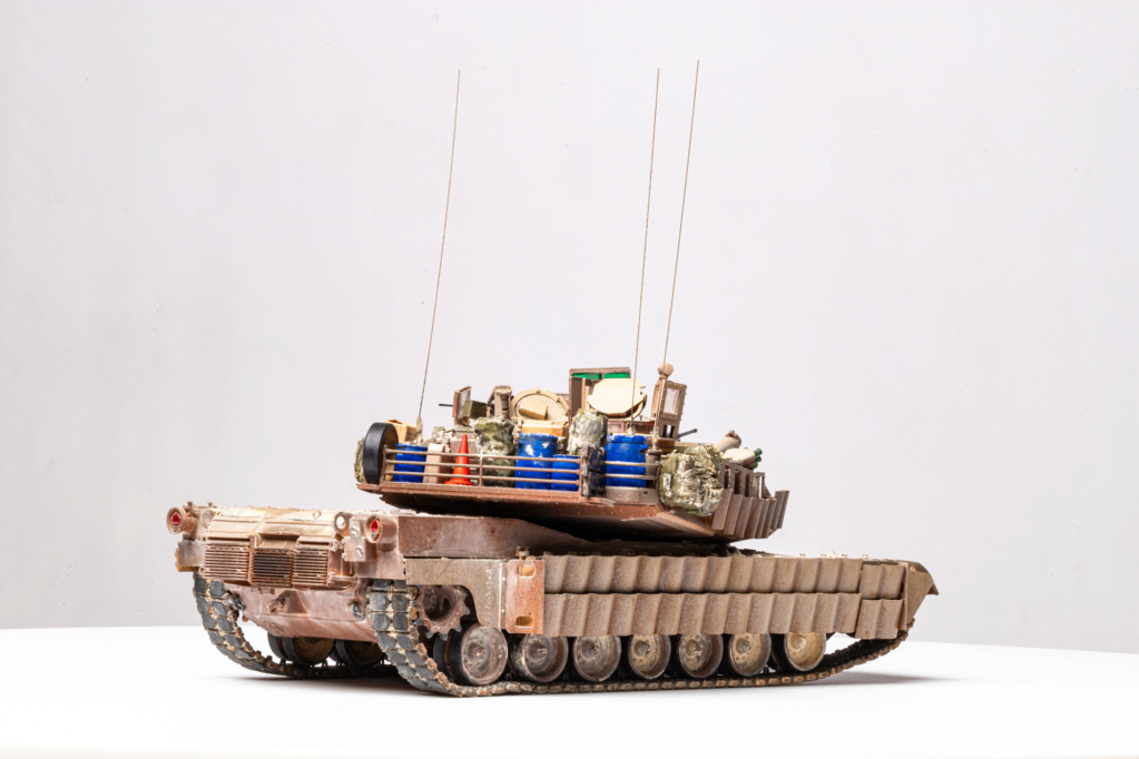 M1A2 Abrams Tusk MENG 1/35 Termine - Page 4 Img_7510