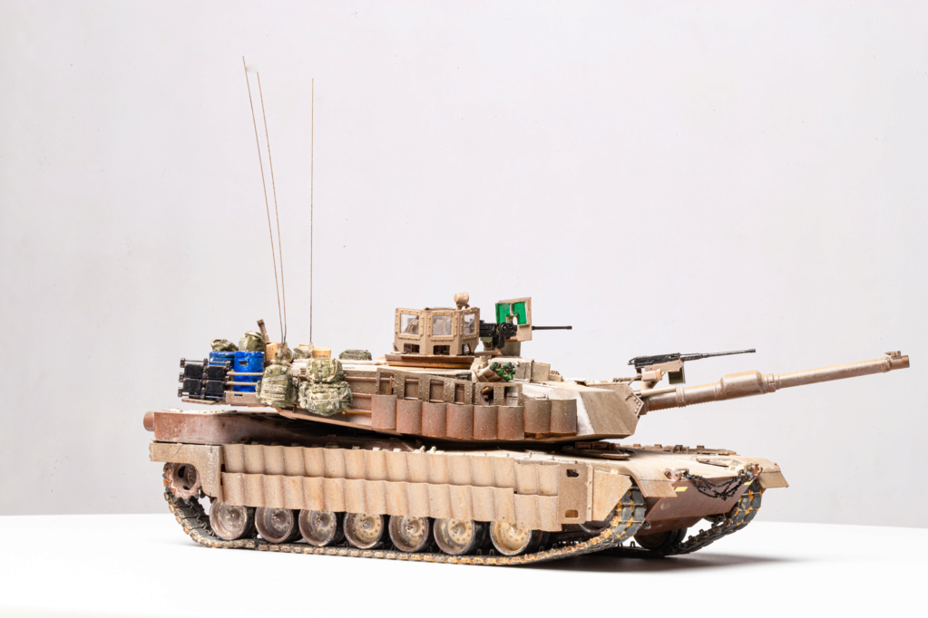 M1A2 Abrams Tusk MENG 1/35 Termine - Page 4 Img_7511