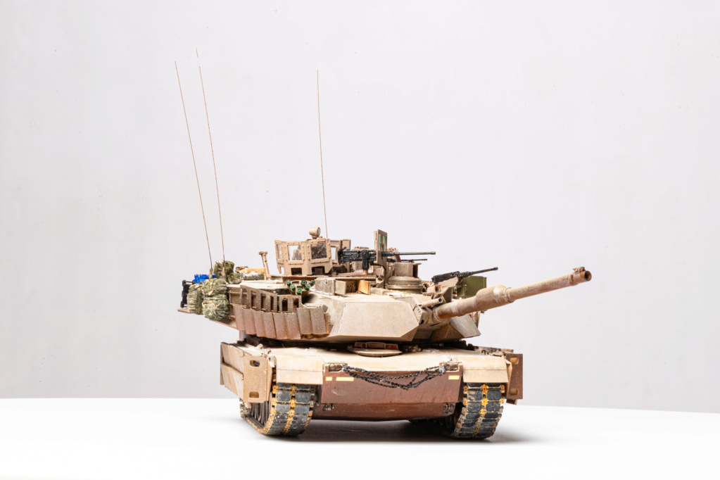 M1A2 Abrams Tusk MENG 1/35 Termine - Page 4 Img_7512