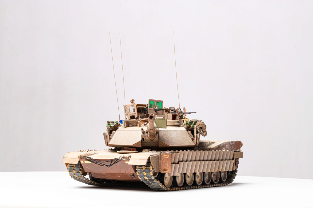 M1A2 Abrams Tusk MENG 1/35 Termine - Page 4 Img_7610