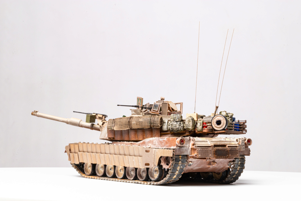 M1A2 Abrams Tusk MENG 1/35 Termine - Page 4 Img_7611