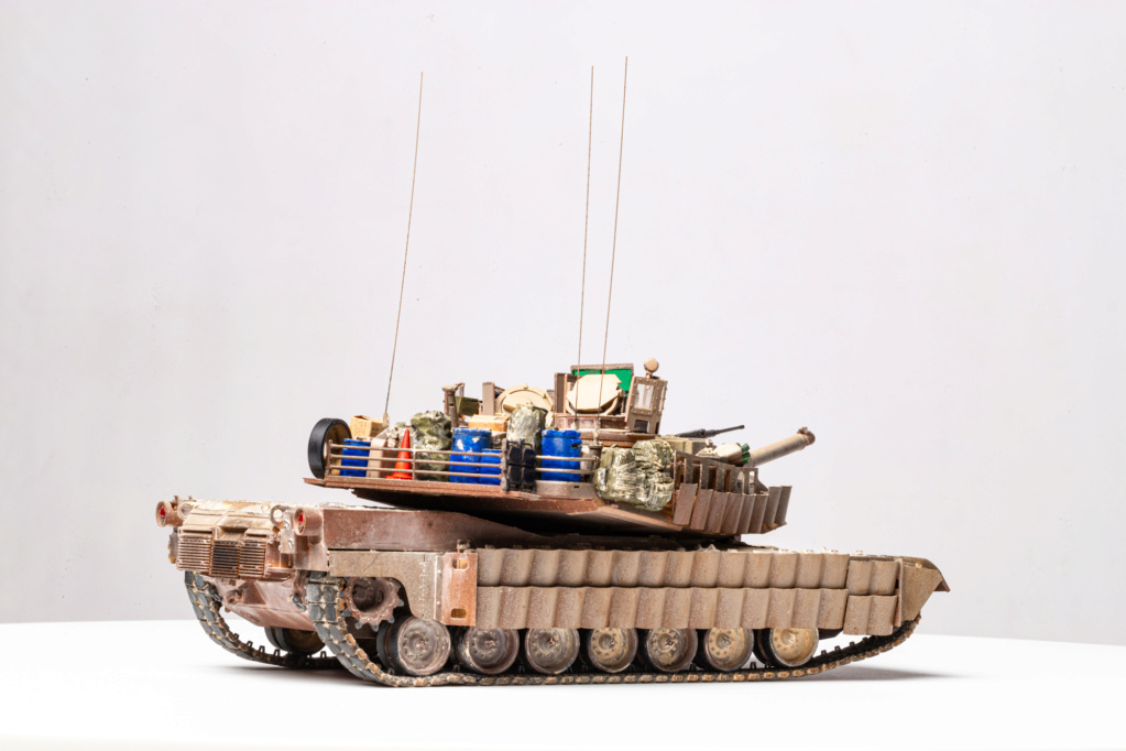 M1A2 Abrams Tusk MENG 1/35 Termine - Page 4 Img_7614