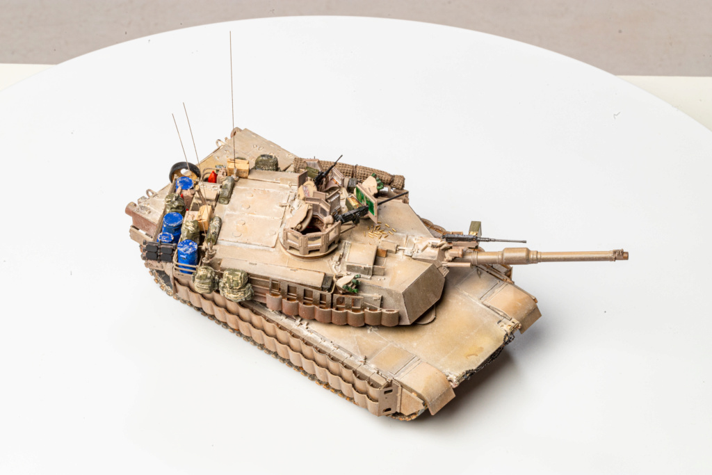 M1A2 Abrams Tusk MENG 1/35 Termine - Page 4 Img_7617