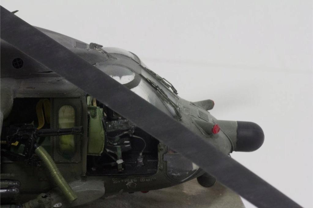 """MH-60L """" Black Hawk """" KITTY HAWK 1/35 - Page 3 Img_7916"""