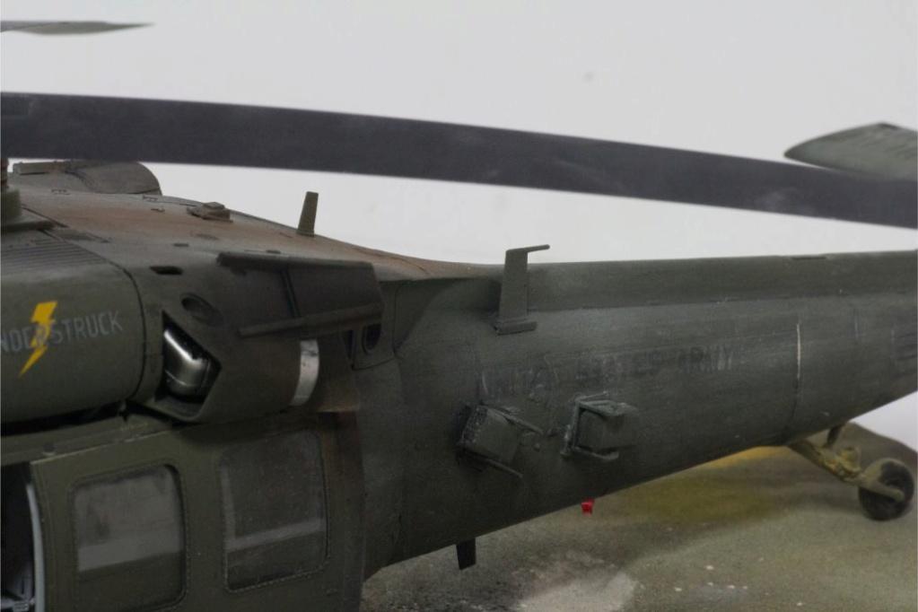 """MH-60L """" Black Hawk """" KITTY HAWK 1/35 - Page 3 Img_7928"""
