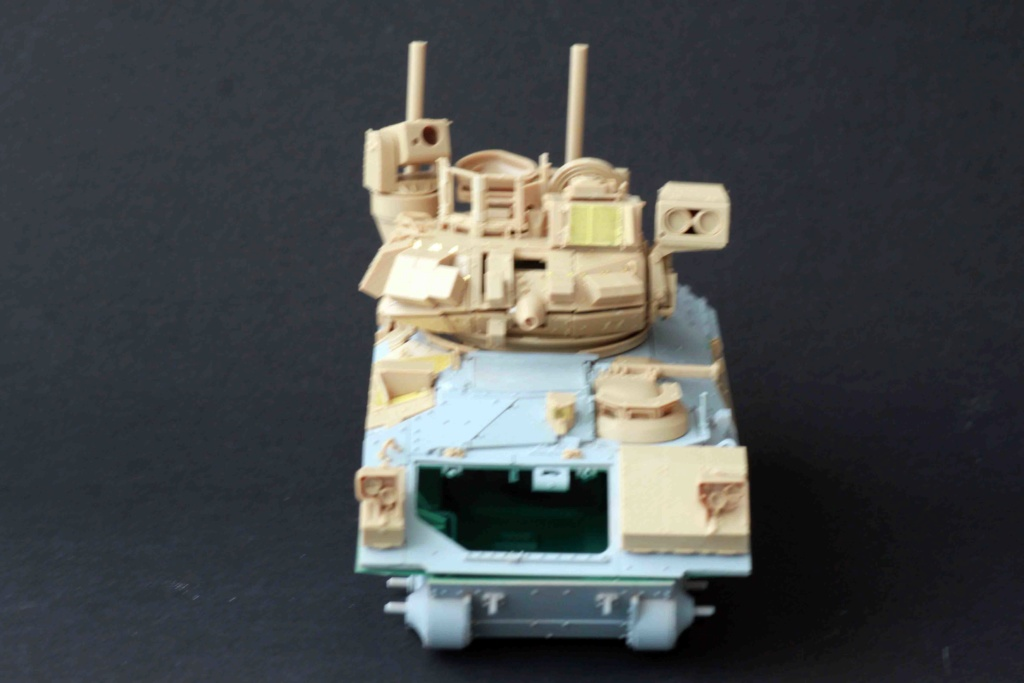 Bradley M2A3 with Busk III - Meng -1/35 TERMINE - Page 2 Img_8025