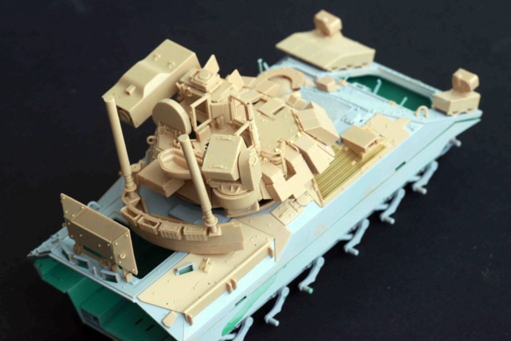 Bradley M2A3 with Busk III - Meng -1/35 TERMINE - Page 2 Img_8026