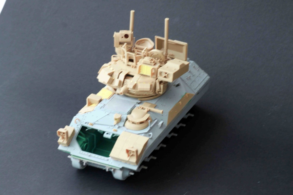 Bradley M2A3 with Busk III - Meng -1/35 TERMINE - Page 2 Img_8027