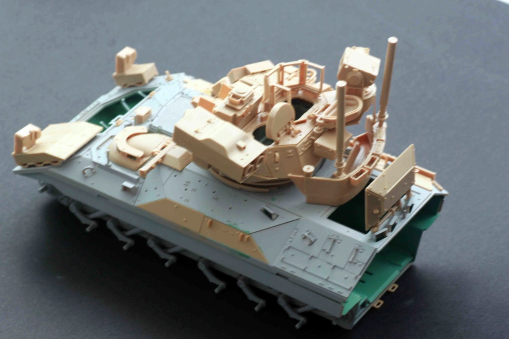 Bradley M2A3 with Busk III - Meng -1/35 TERMINE - Page 2 Img_8028