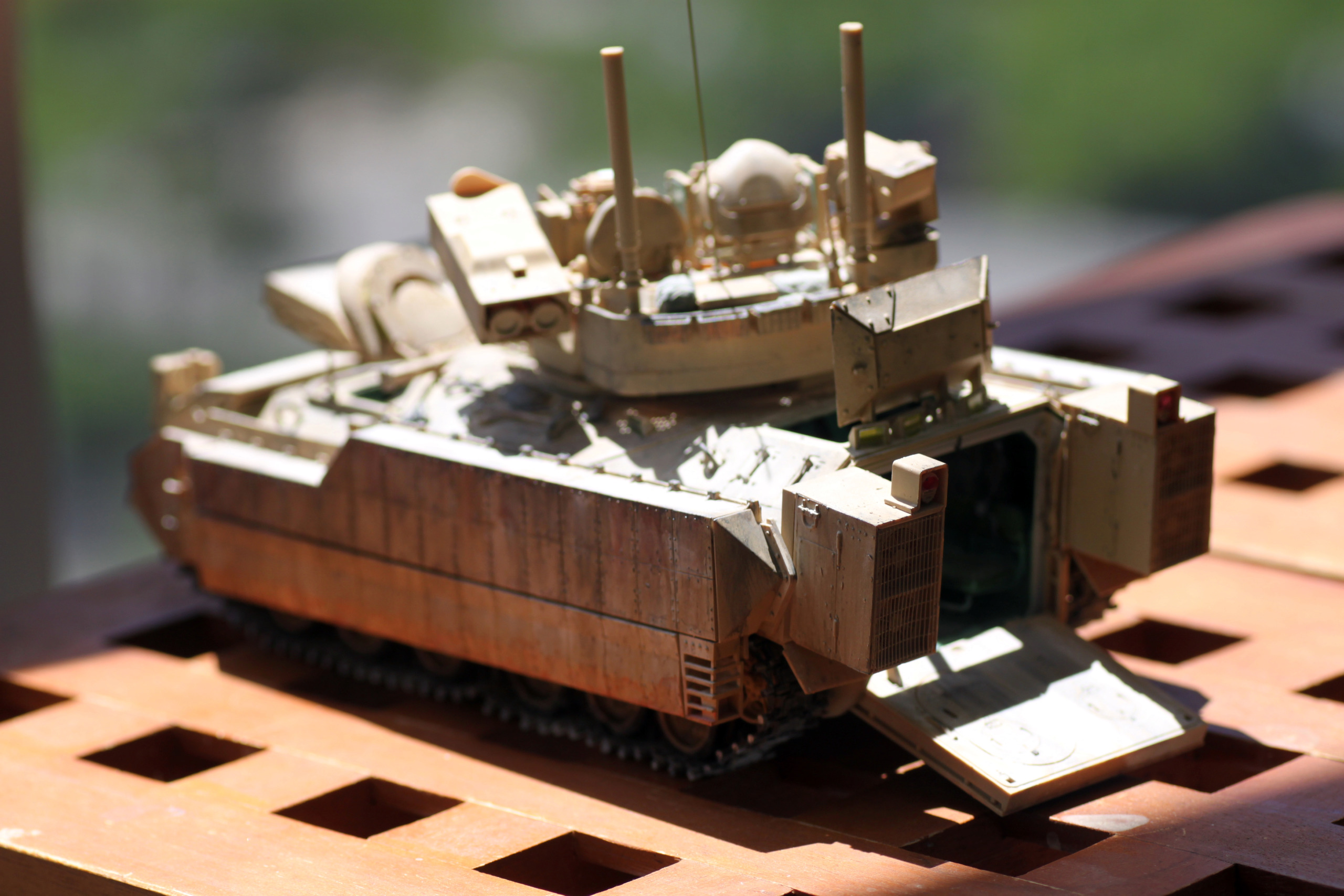 Bradley M2A3 with Busk III - Meng -1/35 TERMINE - Page 4 Img_8160