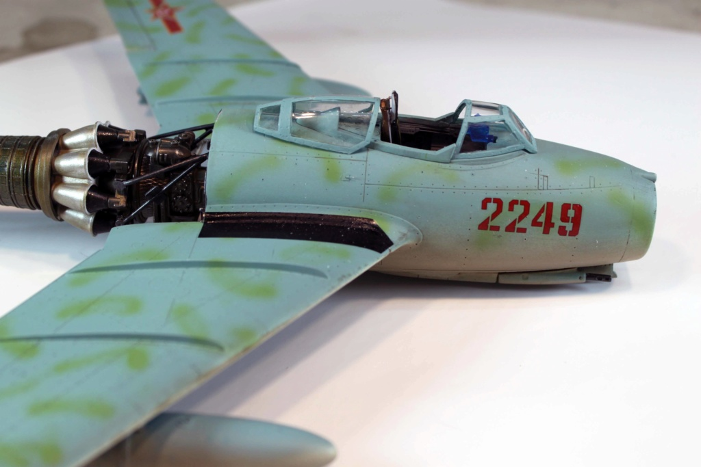 Mig 15 Trumpeter 1/32 - Page 3 Img_9717
