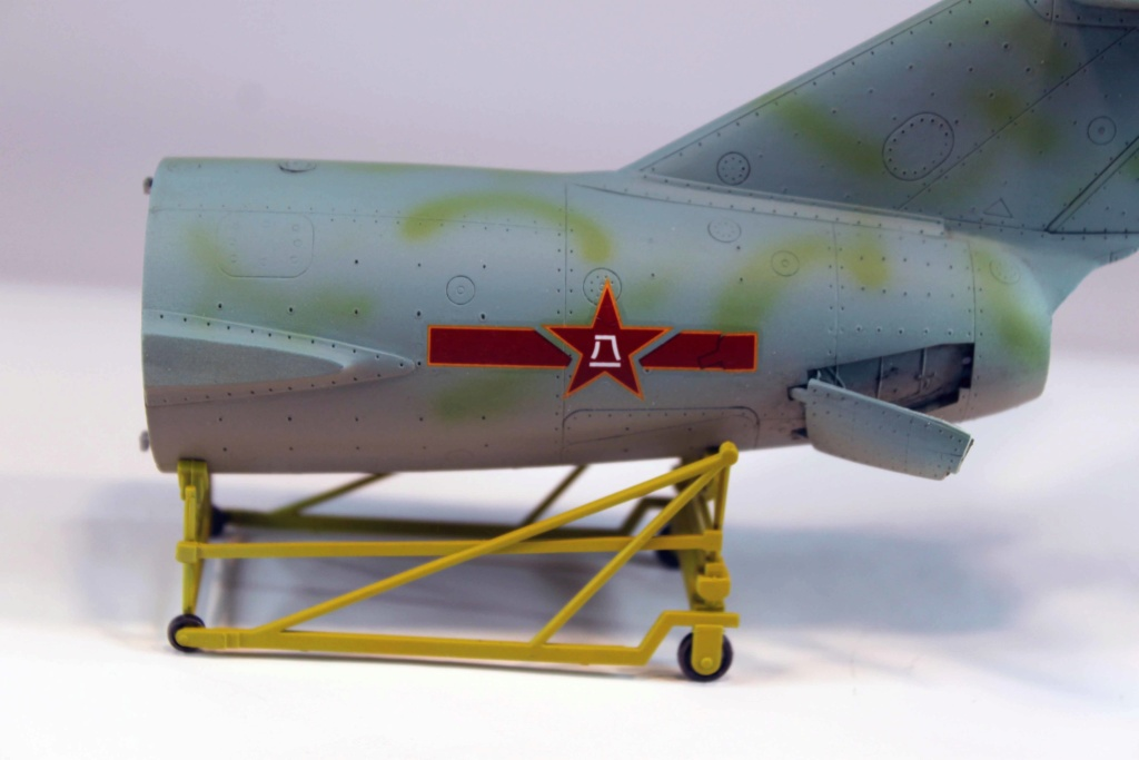 Mig 15 Trumpeter 1/32 - Page 3 Img_9723