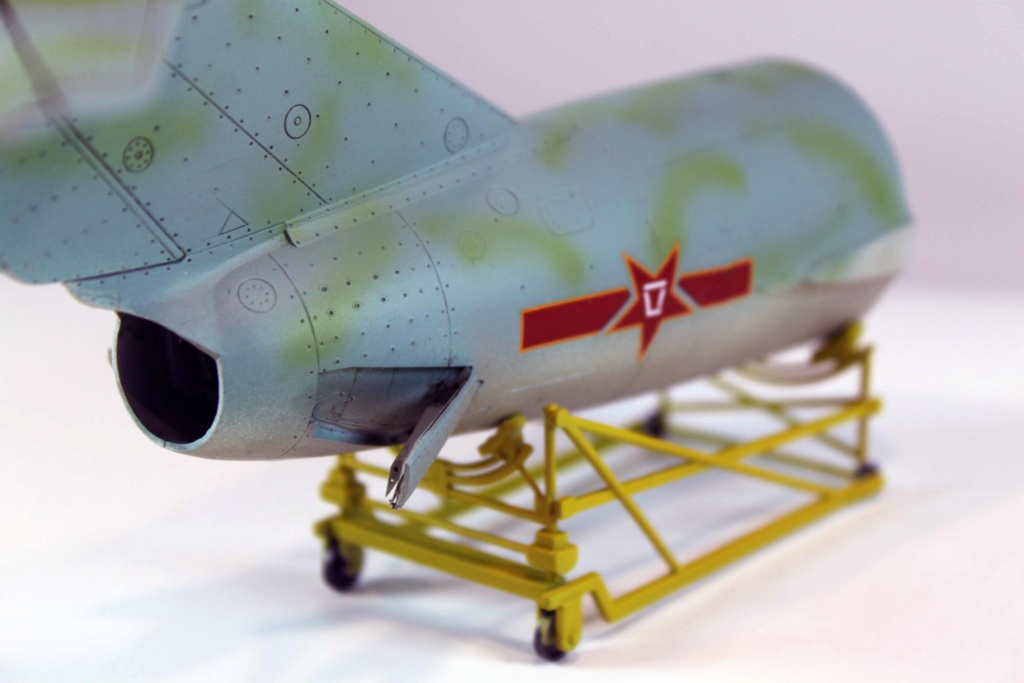 Mig 15 Trumpeter 1/32 - Page 3 Img_9724